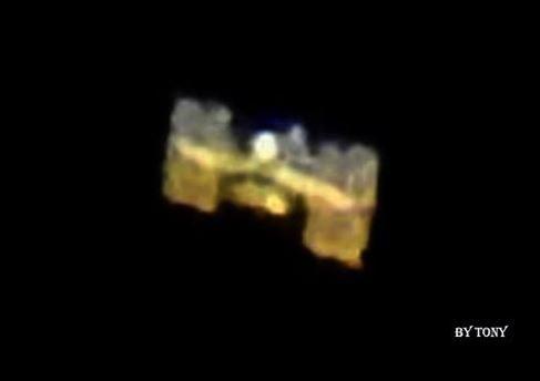 AMATORE FOTOGRAFO DEL PONENTE LIGURE RIESCE A IMMORTALARE IL SATELLITE ISS.