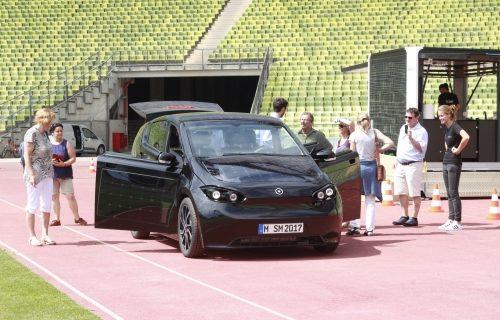 Arrivata l'auto solare a soli 16.000 euro.
