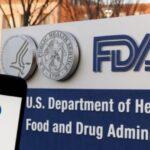 Marion Gruber, direttrice del centro di revisioni vaccini della FDA (agenzia del farmaco americana) e il suo vice, Phil Krause, hanno lasciato i loro incarichi il 31 agosto.